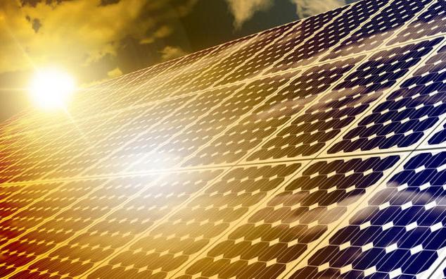 Solaranlage mit Sonnenschein